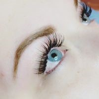 What to expect during your lash treatment
